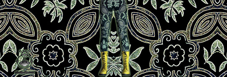 Black lycra legging with floral print