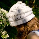 White sweet ajour beanie wool with black and white pearls
